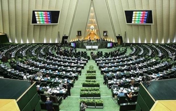 آیا کالاهای مورد استفاده نمایندگان ایرانی است؟
