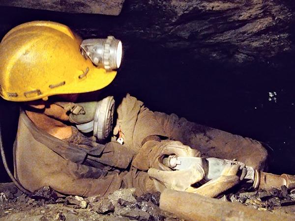 فوری/پیدا شدن پیکر بیجان دو معدنکار محبوس پس از ۶ روز
