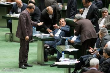 تکرار تجربه احمدی نژاد-قالیباف با آخوندی-روحانی!