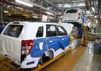 چرا خودروهای تولیدشده با دلار 4 هزار تومانی وارد بازار نمیشوند؟