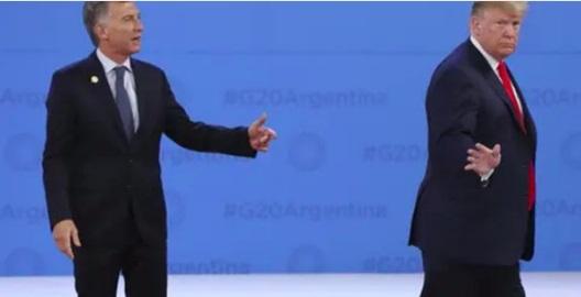حرکت عجیب ترامپ در دیدار با رئیسجمهور آرژانتین!+ فیلم