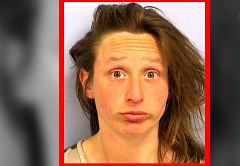 زن بی حیا به خاطر حرکات شنیع و جنسی در رستوران دستگیر شد!+عکس