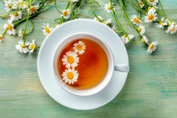 خواص شگفتانگیز چای بابونه برای لاغری و پوست
