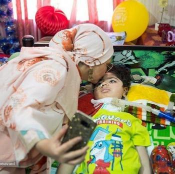 قضاوت عجولانه درباره  سلفی جنجالی بهنوش بختیاری با کودک بیمار + تصاویر