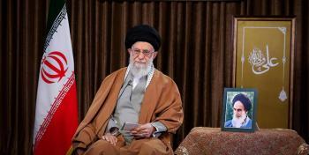 صلابت و بصیرت ملّت ایران نقشههای دشمن را خنثی کرد/مسئله فوری و اولویت کشور موضوع اقتصاد است