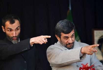 معاون احمدی نژاد در زندان سکته کرد