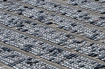 125 هزار خودرو را فقط اعضای چهار خانواده وارد کشور کرده اند+جزییات