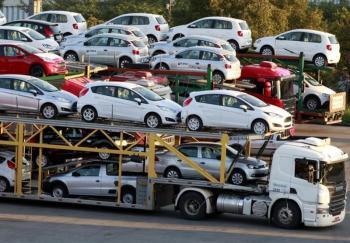 وارد کنندگان خودرو دچار شوک خبر وزیر صمت شدند
