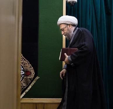 جدید ترین خبر ها از انتقاد آیت الله یزدی از آملی لاریجانی و حسن روحانی