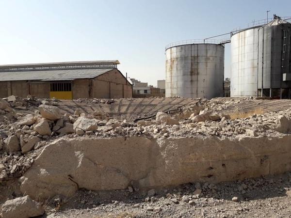 حکم توقیف اموال 20 کارگر روغن نباتی نرگس شیراز به دلیل بدهی کارخانه به بانک