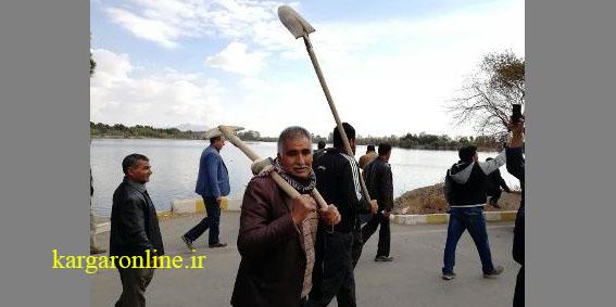 کارگران آذرآب به کار بازگشتند/ وزارت کار: بانک کشاورزی به وظایف خود عمل نکرد