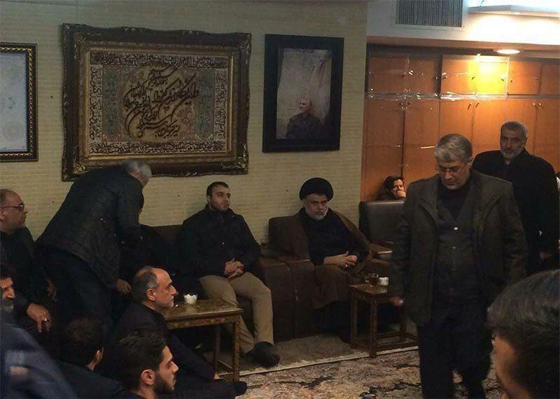 حضور مقتدی صدر در منزل شهید سپهبد حاج قاسم سلیمانی+عکس