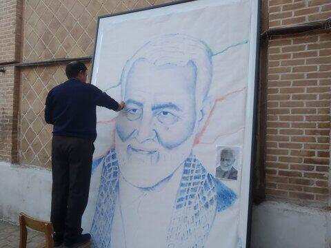 طراحی چهره سردار شهید سلیمانی با ۵۵ هزار اثر انگشت توسط هنرمند سبزواری
