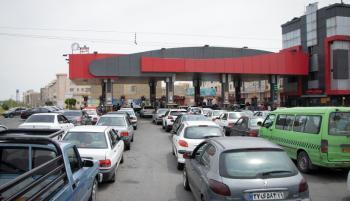 علت صفهای طولانی خرید بنزین چیست؟
