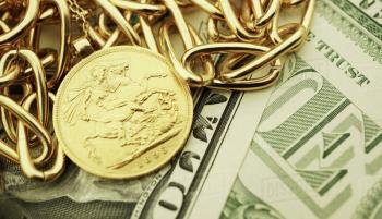 اولین قیمت دلار و طلا در شروع هفته جدید میلادی / دلار رشد کرد و طلا کاهش یافت