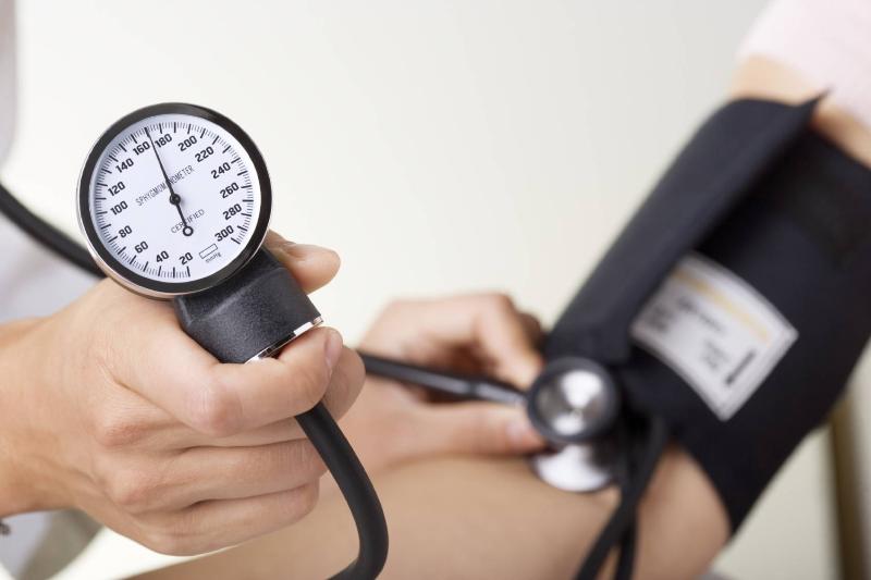 چگونه فشار خون را پایین بیاوریم؟
