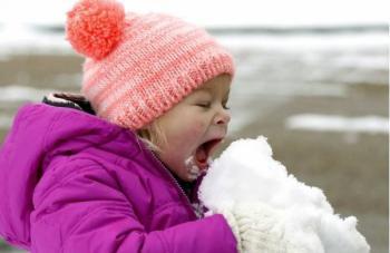 عوارض خوردن برف در روزهای سرد سال