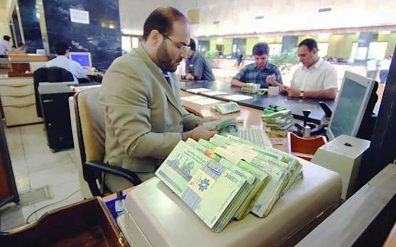 عیدی بازنشستگان چقدر است؟ / مستمریبگیران تامین اجتماعی را کارمند دولت حساب میکنند!