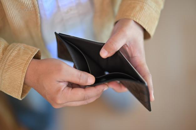 راههای فرار از فقر و فشار مالی