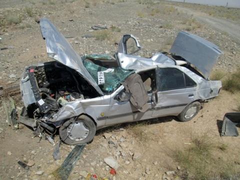 دو نفر در تایباد بر اثر واژگونی خودرو جان باختند