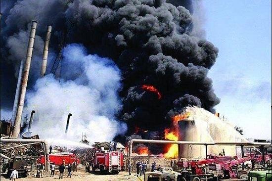 تصاویر آتشسوزی در پالایشگاه تهران