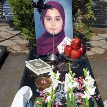 مادر حدیث: دختر من قربانی هوسرانی پدرش شد