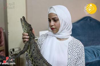 دختر ۱۵ ساله تمساح پرورش میدهد!+عکس