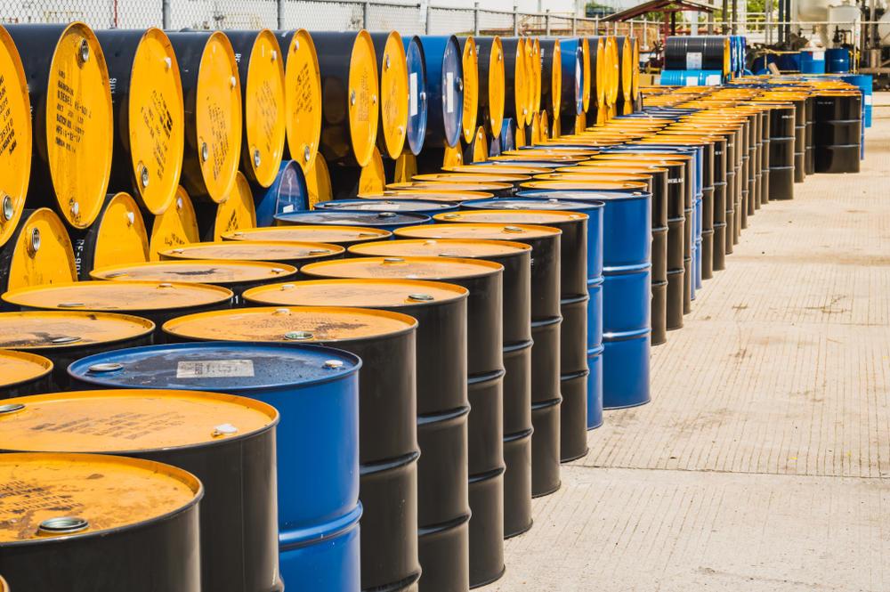 پیش فروش ۲۰۰ میلیون بشکه نفت/اعلام جزئیات گشایش اقتصادی روحانی