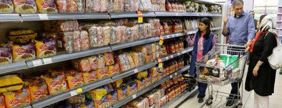 حذف منابع غذایی مفید از فهرست خرید هزاران خانواده ایرانی/بحران سوءتغذیه در آیندهای نه چندان دور