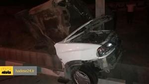 نجات عجیب راننده ای که پرایدش از وسط نصف شد + عکس